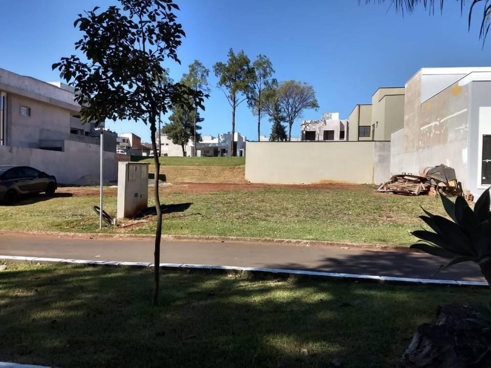 Venda                                                            - Terreno em condomínio                                                            - Parque Nova Carioba                                                                - Americana                                                                /SP