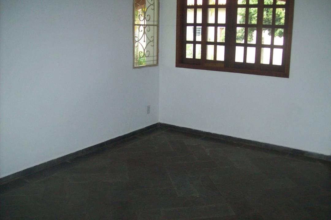 Venda                                                            - Casa em condomínio                                                            - Condomínio Vista Alegre                                                                - Vinhedo                                                                /SP