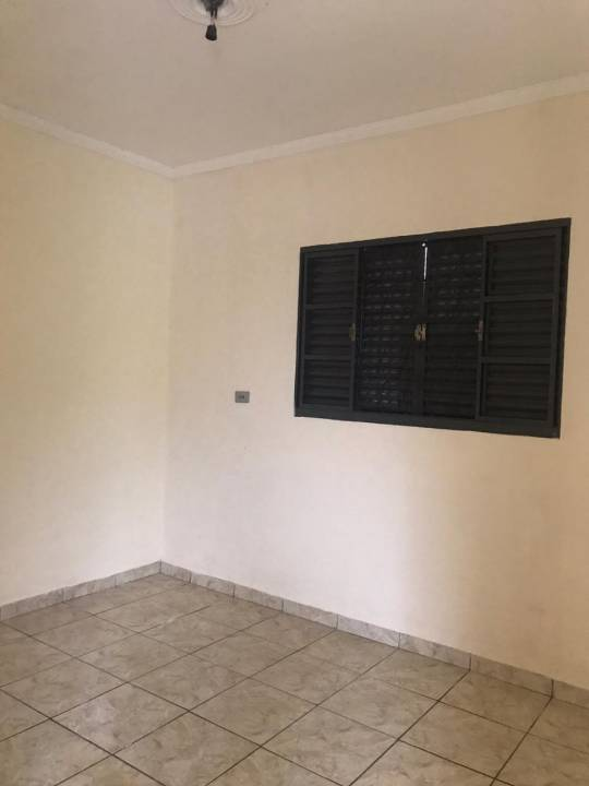 Locação                                                            - Casa                                                            - Jardim São Fernando                                                                - Santa Bárbara D'Oeste                                                                /SP